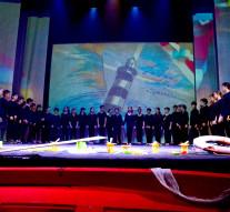 """Grande successo per lo spettacolo musicale """"La luce della Speranza"""" della classe quinta dell'Istituto San Tommaso di Ortona"""
